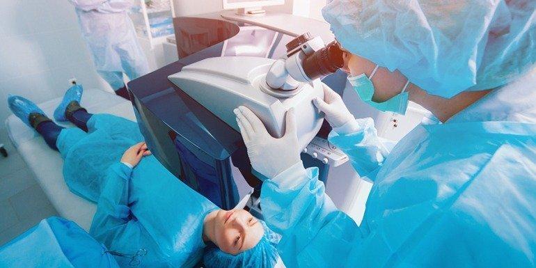 احدث جراحات تصحيح الابصار عملية الفيمتو سمايل